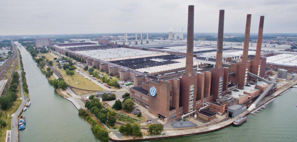 Das VW-Werk in Wolfsburg hat für zehn Minuten die Bänder stillstehen lassen.