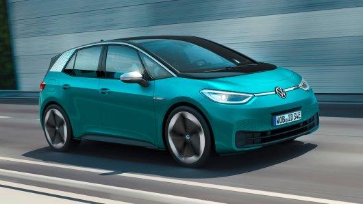 Ein Paar will mit seinem VW ID.3 nach Frankreich fahren. Doch DAS sorgt für massive Probleme.