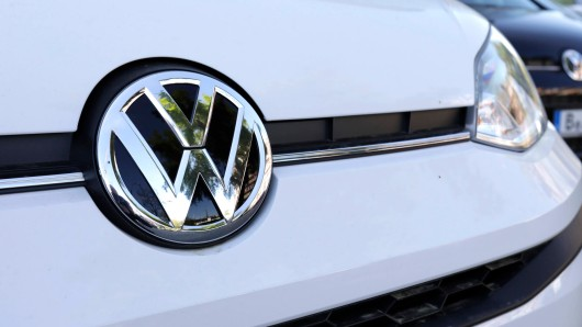 VW ruft wieder Autos zurück! Welche Modelle betroffen sind, liest du hier. (Symbolbild)