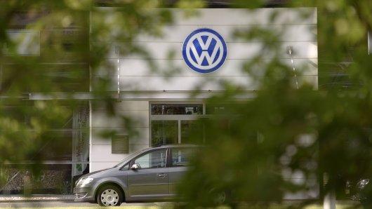 VW und Audi rufen Tausende Autos zurück.