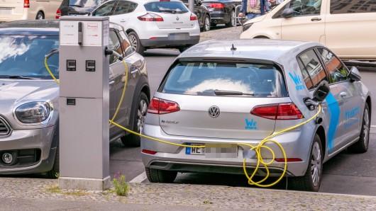 Der E-Golf von VW räumt bei einem Ranking ab. (Symbolbild)