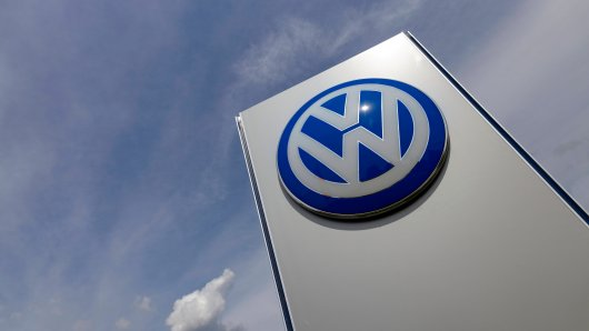 VW setzt im Werk in Wolfsburg auf Extraschichten und Leiharbeiter. (Symbolbild)