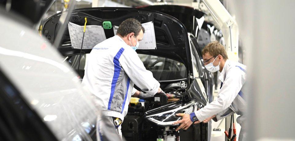 Wie ist eigentlich die Stimmung der Beschäftigten bei VW? Das konnten die Mitarbeiter jetzt beim Stimmungsbarometer angeben. Und das Ergebnis überrascht. (Symbolbild)