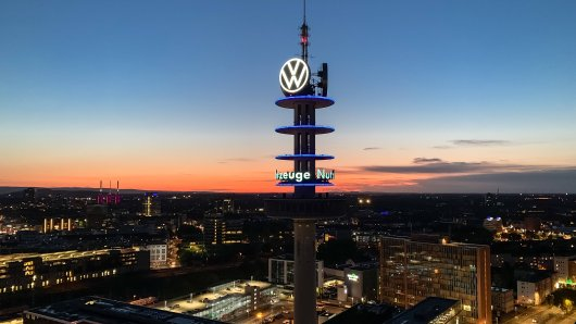 VW Nutzfahrzeuge reagiert mit Leiharbeitern auf die plötzliche Personalnot. Ein Detail irritiert dabei. (Symbolbild)