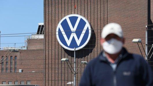 VW reagiert auf die Beschlüsse der Regierung zu den weiteren Corona-Maßnahmen. (Symbolbild)