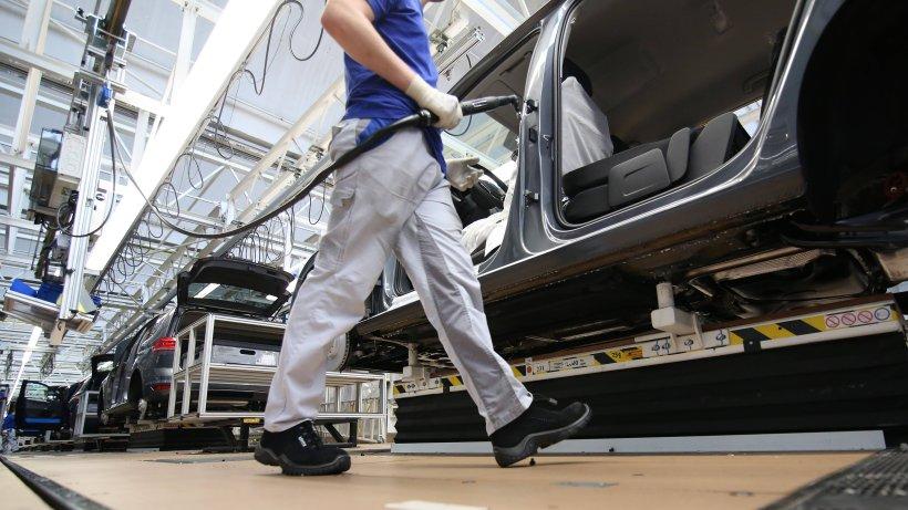 VW zahlt Bonus aus! SO viel bekommen die Mitarbeiter diesmal - News38