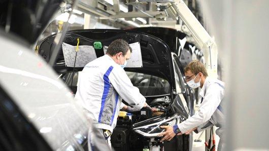 Tausende VW-Mitarbeiter legen am Donnerstag weltweit die Arbeit nieder. Das ist von Volkswagen so gewollt.  (Symbolbild)