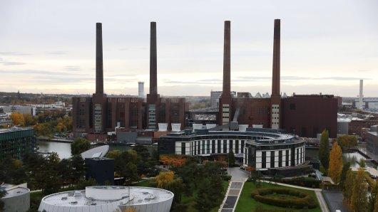 Ein Mitarbeiter des VW-Werks in Wolfsburg hat eine wichtige Beobachtung gemacht. (Archivbild)