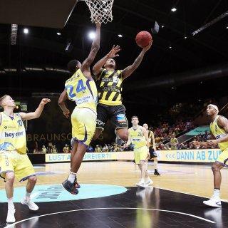 Basketball Löwen Braunschweig gegen MHP Riesen Ludwigsburg