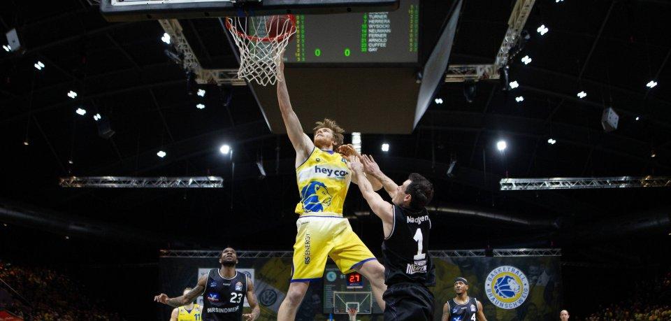 Scott Eatherton führte die Basketball Löwen Braunschweig gegen Crailsheim zum nächsten Heimsieg.