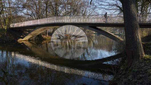 Die Drachenbrücke über die Oker ist wieder frei (Archivbild).