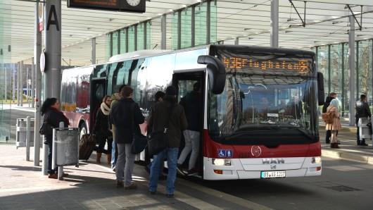 Der Busfahrer der Braunschweiger Verkehrs GmbH wurde bei der Attacke verletzt (Archivbild).