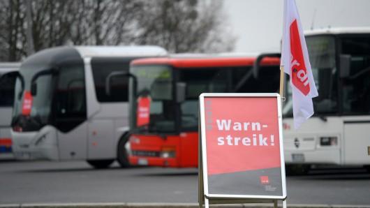 In Wolfsburg trifft der Streik den öffentlichen Linienverkehr besonders hart. Auch Kitas sollen bestreikt werden.