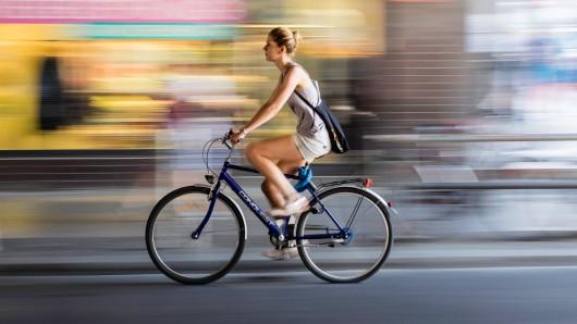 170 Fahrräder werden in der Richard-Wagner-Straße versteigert.