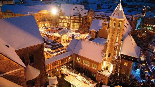 Die Plätze rund um den Dom St. Blasii, die Burg Dankwarderode und das Rathaus bilden alljährlich den Schauplatz für einen der schönsten Weihnachtsmarkt Norddeutschlands.