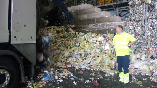 Zahlen die Braunschweiger für die Müllabfuhr zu viel? Das wollen die Linken-Fraktion sowie der Bauausschuss des Rates geklärt wissen.
