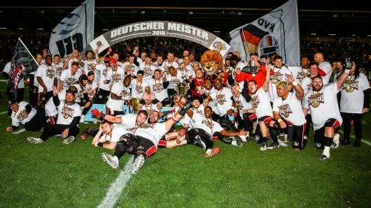 Die Lions holten im vergangenen Jahr zum elften Mal den German Bowl nach Braunschweig.