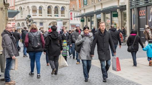 Die  Braunschweiger Innenstadt lädt Gäste und Einheimische zum Einkaufen und Verweilen ein. (Archivbild)