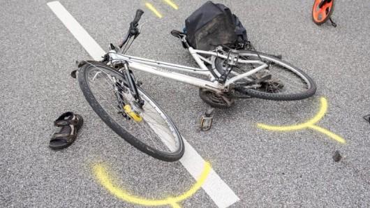 Nach dem Unfall war der Fußgänger einfach abgehauen. (Symbolbild)