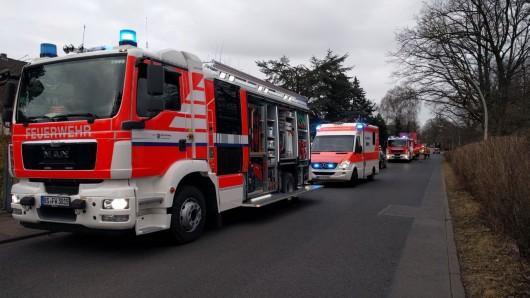 Mehrere Feuerwehrfahrzeuge waren vor Ort.