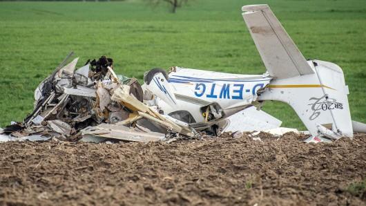 Das Flugzeug war mit einem Ultraleichtflugzeug zusammengestoßen, beide Flugzeuge waren im Landeanflug auf den Adolf Würth Flughafen.