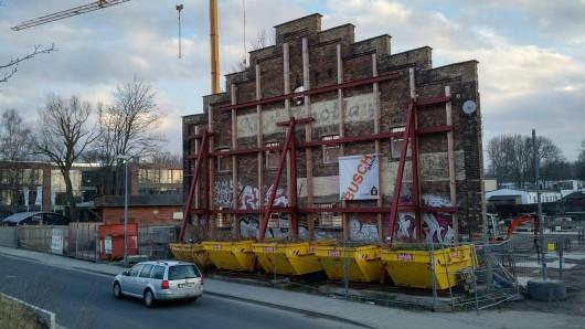 Laut dem Stadtentwicklungskonzept soll es städtebaulich voran gehen: hier entsteht das Kulturzentrum West-End.