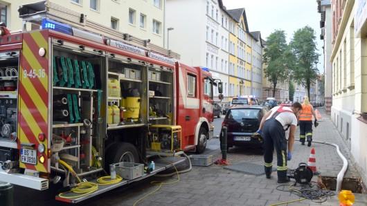 Vollgelaufener Keller durch zurückgedrücktes Abwasser. Einen halben Meter stand das Wasser in der Holwedestraße.