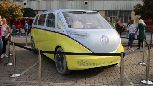 Der VW I.D. Buzz – so soll Volkswagens Zukunft aussehen.