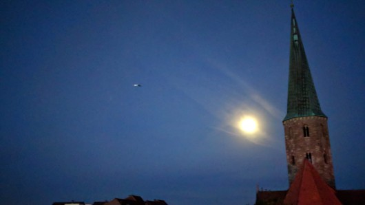 Auch aus der news38.de-Redaktion war der Hubschrauber zu sehen und zu hören.