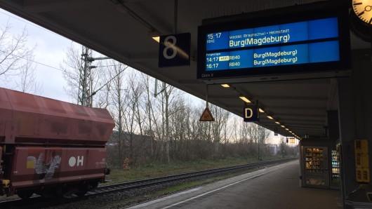 Die Bahnfahrer werden mal wieder auf eine harte Probe gestellt. In Braunschweig haben sie sich ins warme verkrümelt.