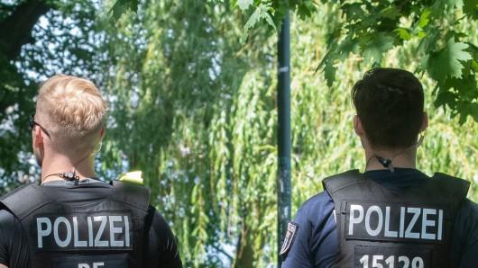 Die Polizei hatte an Vatertag einiges im Prinzenpark zutun (Symbolbild).