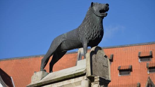 Der Löwe ist das Zeichen des Herzogs Heinrich – in der Stadtgeschichte für Braunschweig auch kein Unbedeutener. Könnte er also Unesco Weltkulturerbe werden? Die CDU Braunschweig hat nun fünf Orte vorgeschlagen.