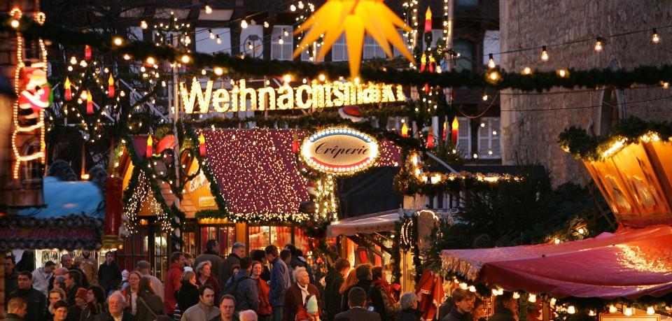 Der Weihnachtsmarkt Braunschweig lockt jeden Tag Hunderte Besucher in die Innenstadt. Wir sagen dir, welche drei Stände du unbedingt besucht haben musst! (Archivbild)