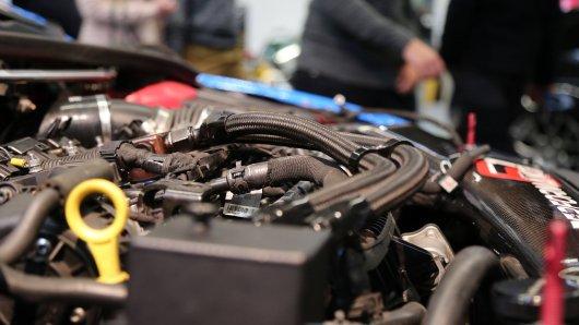 Bei aller Liebe zum Auto ärgert sich eine Werkstatt aus Braunschweig über Spenden für einen Tuner aus Niedersachsen. (Symbolbild)
