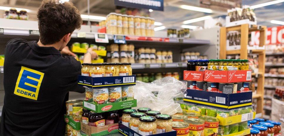 Braunschweig: Eine Frau kann kaum glauben, was sie täglich in einem Edeka-Markt beobachtet (Symbolbild).