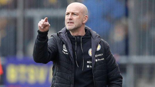 Eintracht Braunschweig: Trainer Antwerpen kann das Ende der Zwangspause kaum erwarten (Symbolbild).