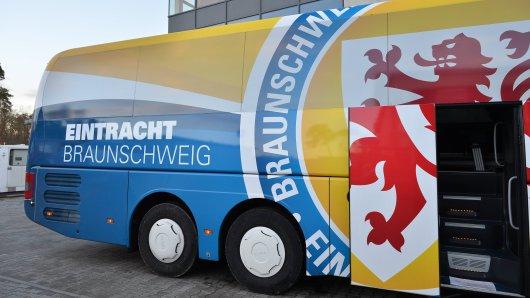 Eintracht Braunschweig bereitet sich im Trainingslager auf den Wiedereinstieg in die dritte Liga vor.