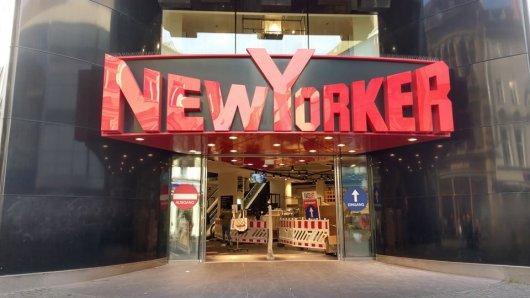 New Yorker in Braunschweig ist wie alle anderen Läden auch im Lockdown. Doch der Chef des Unternehmens drängt auf Öffnungen. (Archivbild)