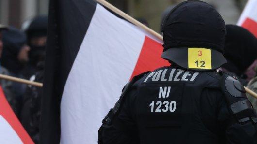 Jetzt also doch: Die Staatsanwaltschaft muss wieder gegen einen Neonazi ermitteln. Hintergrund sind Aussagen, die am VOlkstrauertag am Löwenwall gefallen waren. (Symbolbild)