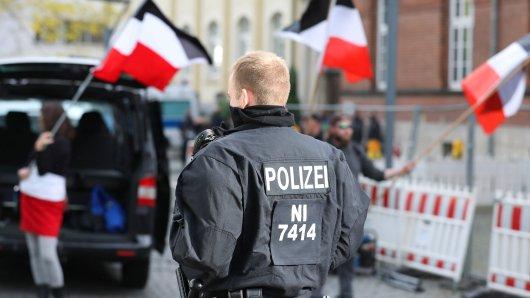 """In Braunschweig demonstrierten """"Die Rechte""""-Anhänger bereits im Oktober 2020. (Archivbild)"""