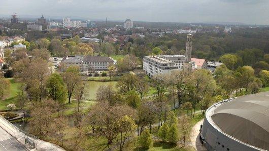Der Bürgerpark in Braunschweig: Hier und in den anderen Parks solltest du eine Sache auf keinen Fall machen. Die Stadt hat nun einen Appell an die Bürger gerichtet.