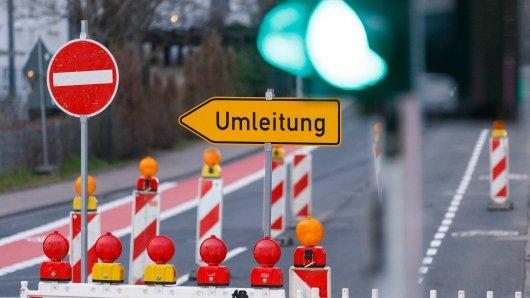 Autofahrer brauchen in Braunschweig gerade an so mancher Stelle viel Geduld. Die Stadt geht jetzt DIESEN Schritt, um die Lage zu entschärfen. (Symbolbild)
