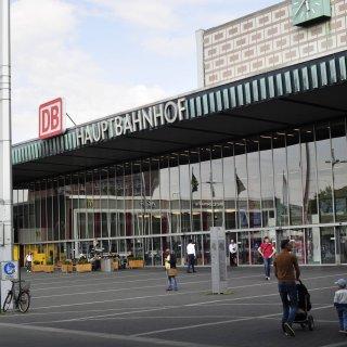 Ein Exhibitionist ist in Braunschweig umher gelaufen. (Archivbild)