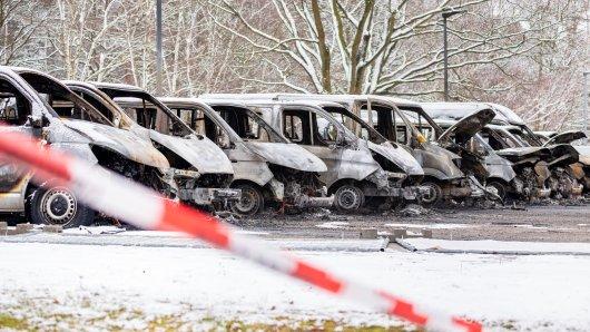 """Nach einem mutmaßlichen Brandanschlag auf die LAB sprechen Ermittler von """"Terrorismus""""."""