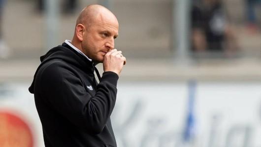 Ex-Eintracht-Trainer Torsten Lieberknecht wird wohl eine fast komplett neue Mannschaft begrüßen dürfen zum Trainingsauftakt beim MSV Duisburg.