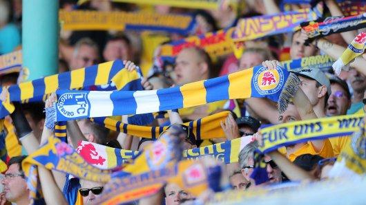 Eintracht Braunschweig ist wie eine große Familie. Auch in schweren Zeiten hält  man hier zusammen. Das dürfte sich auch am Sonntag wieder zeigen... (Archivbild)