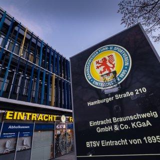 Im Eintracht Braunschweig Stadion gibt es 2020 eine Neuerung. DAS ändert sich radikal! (Archivbild)