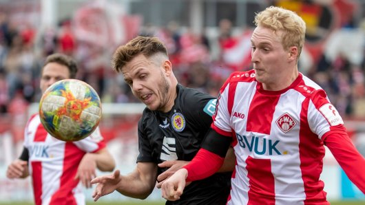 Würzburg - Braunschweig im Live-Ticker: Desaströse Eintracht wird von den Kickers dominiert.