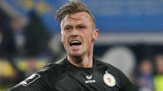 Marvin Pourié hat seine Teamkollegen bei Eintracht Braunschweig nach der Pleite in Würzburg mit einer klaren Ansage wachgerüttelt.