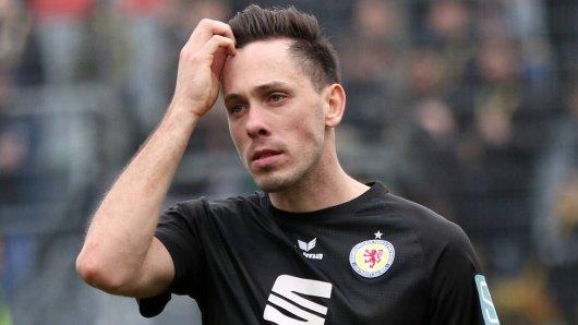 Marcel Bär hat mit Eintracht Braunschweig im virtuellen Duell gegen Sonnenhof Großaspach eine spektakuläre Pleite kassiert.